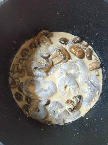 バタージンジャー海老マッシュチーズ煮