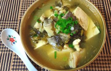 高菜って最高。生姜柚子胡椒の極旨10分煮込み酸辣湯(糖質5.4g)