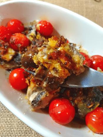 激楽な食べるカレー辣油鯖トマト焼き