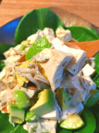 濃厚&さっぱ旨。胡麻ポン酢豆腐のアボカドシラスサラダ(糖質4.2g)