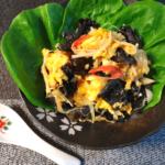 ド定番の旨味。とろり葱大蒜の絶品きくらげマヨカニ玉(糖質3.6g)