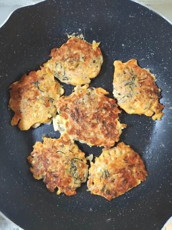 隠れても平気。干し海老蒟蒻の絶品海苔チーズお焼き(糖質5.3g)