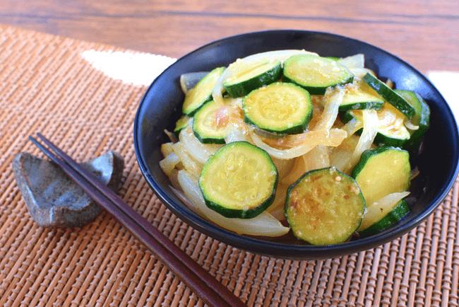 カロリー不在!地味でも至福の塩麴ナンプラートロトロ野菜炒め(糖質6.2g)