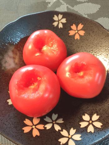 蕩けるチーズボム。バジル味噌チーズの爆速ホットトマト(糖質7.4g)