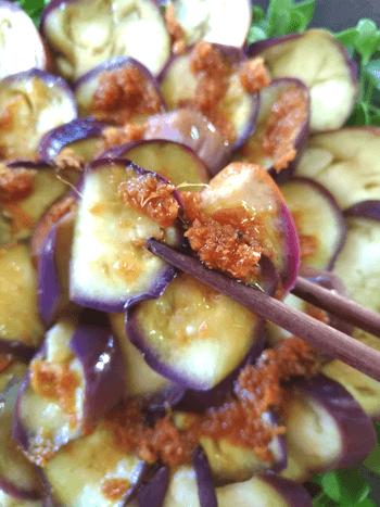 相性べらぼう。茄子お刺身の絶品オリーブ生姜醤油(糖質4.6g)