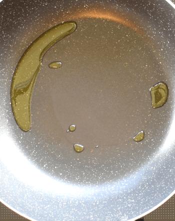 溢れるWプリ。速攻エビ舞茸のさっぱ旨トマトカレー餡かけ(糖質3.6g)