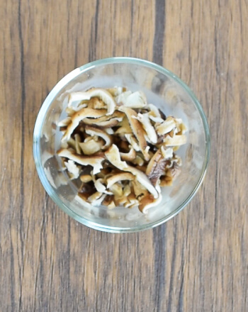 蕩ける実家味。心安らぐ白だし味噌の極旨なめこ餡かけ鯖玉(糖質3.0g)