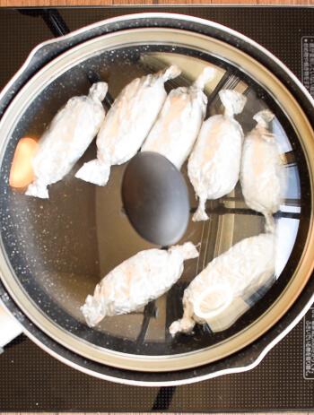 ギュッと超凝縮。旨味ひしめくポークチキン餃子ソーセージ(糖質2.1g)