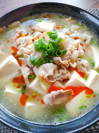 胃躍る旨さ。鶏がら味噌バターの旨み豚バラ豆腐チゲ(糖質6.4g)