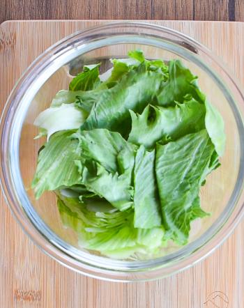 満足お店味。半玉激楽のオイスターレタスペペロンチーノ(糖質6.1g)