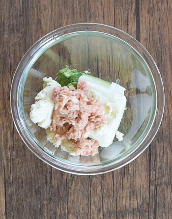 お弁当に一つ。アボカドマスタードのおから焼きポテサラ風(糖質4.0g)