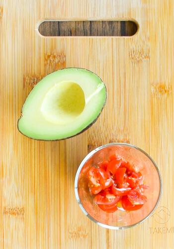 お肉に恍惚。アボカドクリチトマトの絶品柔らかクミンポーク(糖質5.0g)