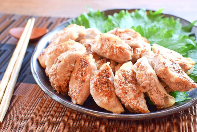 味付け激楽。小ぶり美味な漬物白菜の薄皮大根餃子(糖質7.8g)