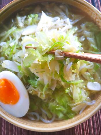 〆に飲み干し。海鮮鶏出汁のトロトロキャベ滝ラーメン(糖質8.2g)