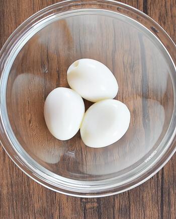 驚き隠ぺい。梅わさびマヨネーズの濃厚カニカマ卵サラダ(糖質4.8g)
