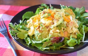 朝から元気!ささみの濃厚アボカドのチーズサラダ(糖質3.8g)
