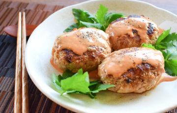 野菜半分。超倍増のオーロラ味噌肉汁キャベツハンバーグ(糖質6.9g)