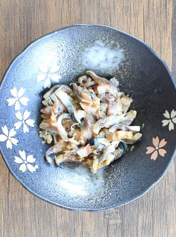 実は優秀。カリカリ秋刀魚の驚きシャキシャキ山葵サラダ(糖質9.3g)
