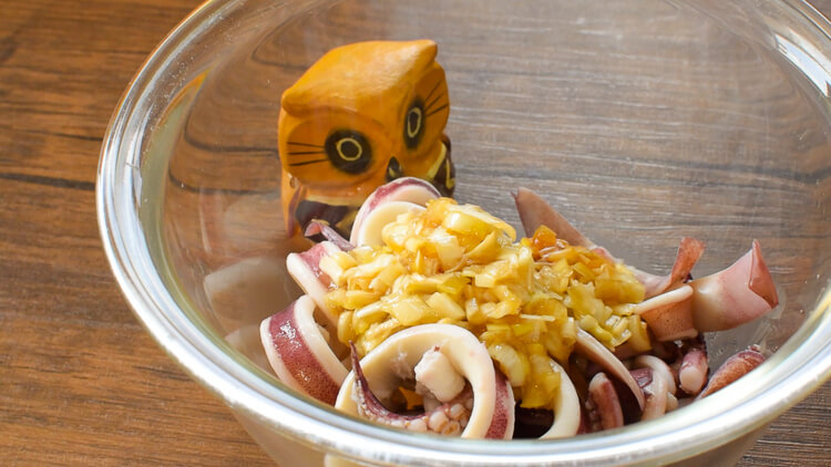 イカって秀才!ネギ塩バターの簡単柔らかイカマリネ(糖質1.6g)