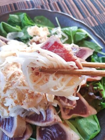 速攻フライパン。生姜マヨポン一味の幸福カツオ叩きサラダ(糖質3.8g)