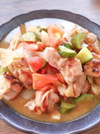 集まれ夏野菜!旨さ賑やかな豊潤黒酢トマト酢鶏(糖質8.7g)