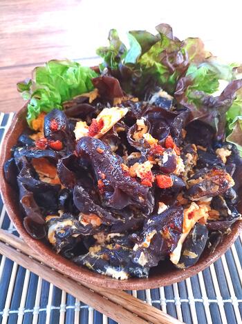 地味でも強烈!毎日食べたい黒酢ラー油の衝撃きくらげ炒め(糖質4.5g)