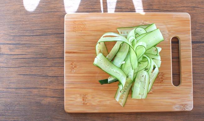 旨ボディメイク!無限にイケる生姜一味の湯で鶏胡瓜串(1人分糖質5.4g)