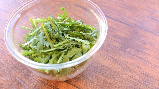 丸ごと一束!苦みが最高に美味しい驚き春菊チップス(糖質0.8g)