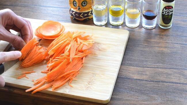 カリカリ?シットリ?人参ハリハリ蜂蜜レモンサラダ(糖質9.3g)