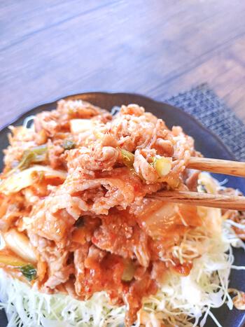 最楽3分!焦がしマヨ麺つゆの夢旨山盛り豚キムサラダ(糖質5.6g)