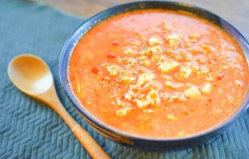 たっぷり満腹!トマト豆腐の濃厚担々麺風卵チキンスープ(糖質9.8g)