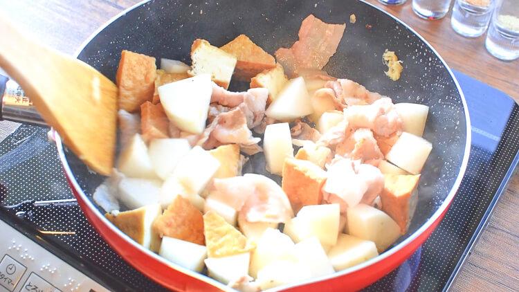 絶品の茶色畑!沁み旨すぎるオイスター豚バラ生姜大根(糖質6.7g)