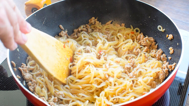 温玉最高!白滝覚醒の山盛り台湾風ジャージャー混ぜ麺(糖質6.1g)