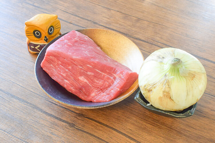 特売お肉も!安く旨進化の新玉ワインローストビーフ(糖質7.9g)
