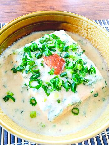 腰抜け簡単!梅味噌ネギの5分で絶品豆乳餡かけ豆腐(糖質9.8g)