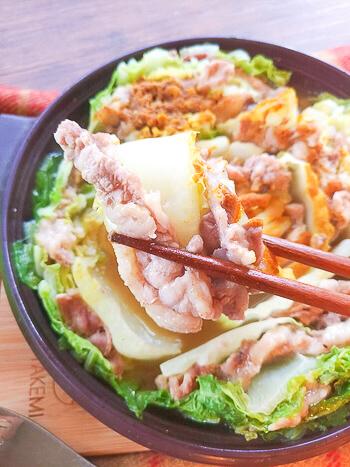超簡単工程!激沁み旨出汁カレー白菜ミルフィーユ鍋(糖質9.8g)