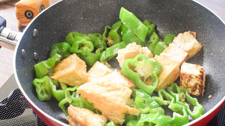 最高簡単!種も丸ごと絶品ピーマン紅生姜チャンプル(糖質4.9g)