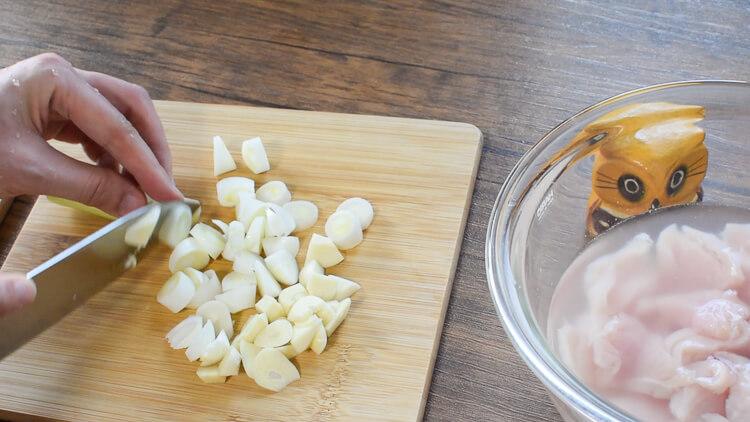 全部ハム食感!超プリ胸肉の低脂質ピリ辛香味煮込み(糖質8.5g)